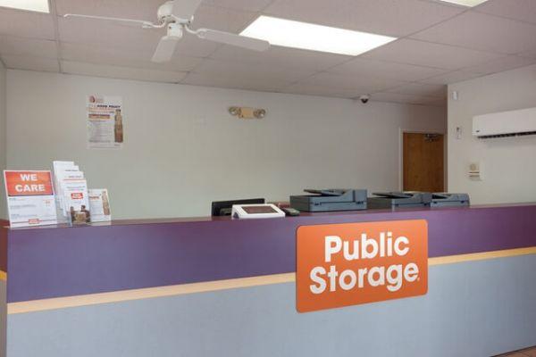 Public Storage - Tampa - 16415 N Dale Mabry Hwy 16415 N Dale Mabry Hwy Tampa, FL - Photo 2