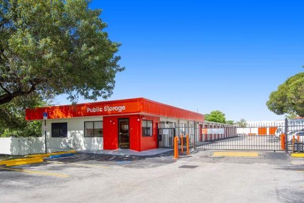 Public Storage - Davie - 2001 SW 70th Ave 2001 SW 70th Ave Davie, FL - Photo 0