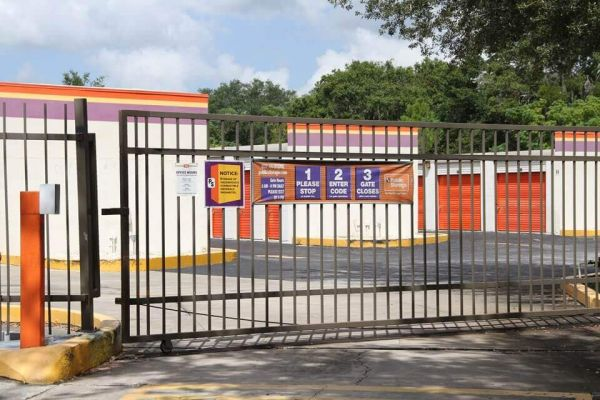 Public Storage - Fern Park - 7190 S US Highway 17/92 7190 S US Highway 17/92 Fern Park, FL - Photo 3