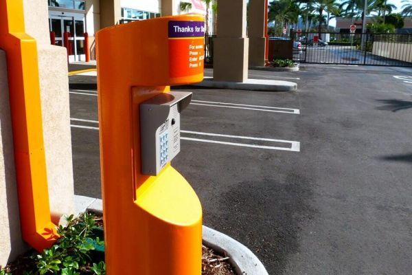 Public Storage - Aventura - 21288 Biscayne Blvd 21288 Biscayne Blvd Aventura, FL - Photo 4
