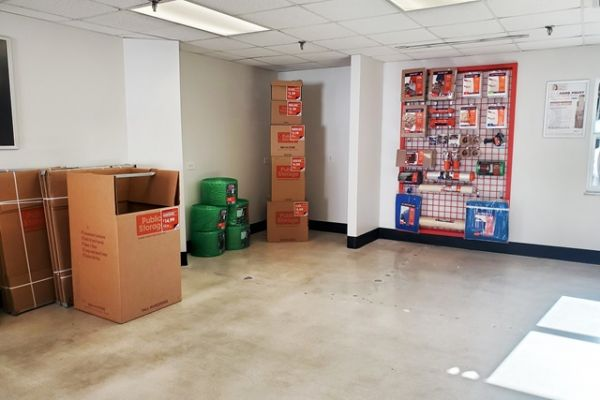 Public Storage - West Palm Beach - 3601 W Blue Heron Blvd 3601 W Blue Heron Blvd West Palm Beach, FL - Photo 2