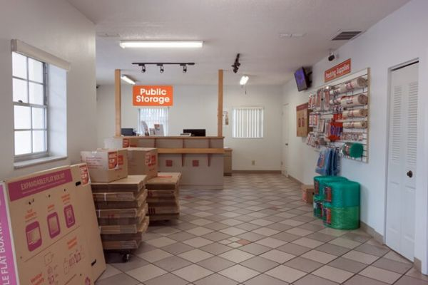 Public Storage - Seminole - 6820 Seminole Blvd 6820 Seminole Blvd Seminole, FL - Photo 2