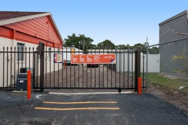 Public Storage - Seminole - 6820 Seminole Blvd 6820 Seminole Blvd Seminole, FL - Photo 3