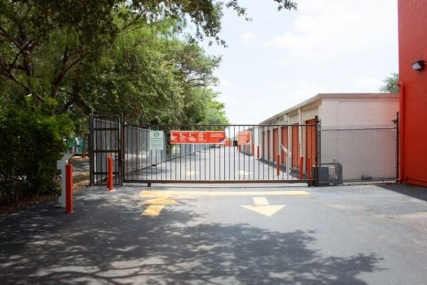 Public Storage - Lauderhill - 1500 North State Road 7 1500 North State Road 7 Lauderhill, FL - Photo 3