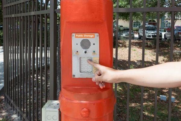 Public Storage - Orlando - 3145 N Alafaya Trail 3145 N Alafaya Trail Orlando, FL - Photo 4