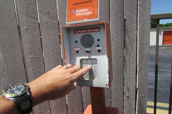 Public Storage - Largo - 8305 Ulmerton Road 8305 Ulmerton Road Largo, FL - Photo 4