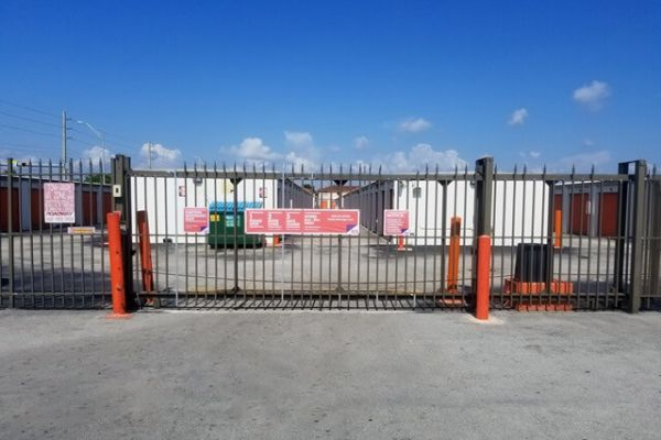 Public Storage - Hialeah - 6800 W 4th Ave 6800 W 4th Ave Hialeah, FL - Photo 3