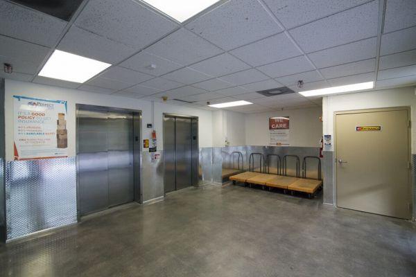 Public Storage - Aventura - 2940 NE 188th Street 2940 NE 188th Street Aventura, FL - Photo 3