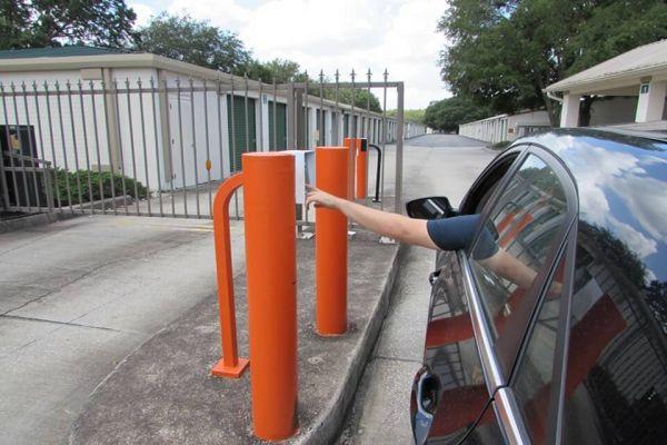 Public Storage - Tampa - 8324 Gunn Hwy 8324 Gunn Hwy Tampa, FL - Photo 4