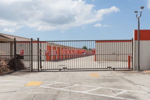 Public Storage - Clearwater - 14770 66th St N 14770 66th St N Clearwater, FL - Photo 3