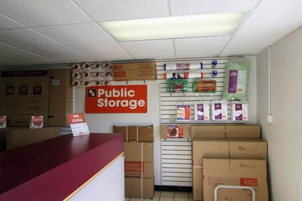 Public Storage - Tampa - 9210 Lazy Lane 9210 Lazy Lane Tampa, FL - Photo 2