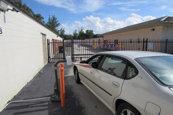 Public Storage - West Palm Beach - 8452 Okeechobee Blvd 8452 Okeechobee Blvd West Palm Beach, FL - Photo 4