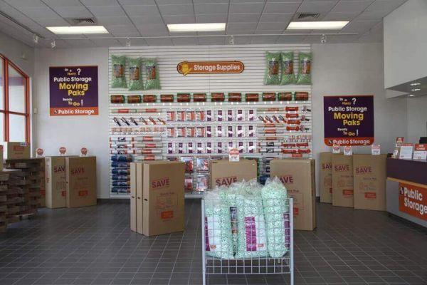 Public Storage - Longwood - 360 State Road 434 East 360 State Road 434 East Longwood, FL - Photo 2