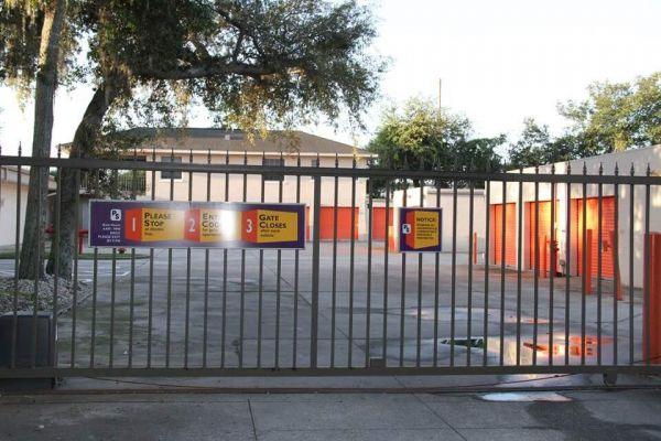 Public Storage - Altamonte Springs - 310 W Central Parkway 310 W Central Parkway Altamonte Springs, FL - Photo 3