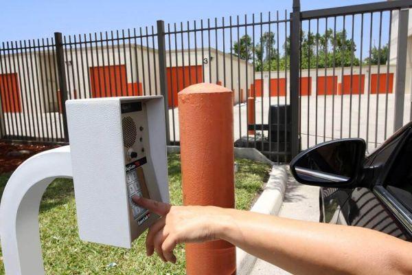 Public Storage - Miami Gardens - 18400 NW 57th Ave 18400 NW 57th Ave Miami Gardens, FL - Photo 4