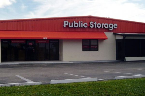 Public Storage - Fort Myers - 3232 Colonial Blvd 3232 Colonial Blvd Fort Myers, FL - Photo 0