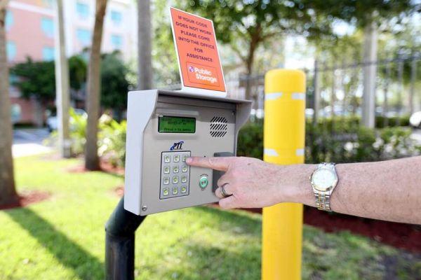 Public Storage - Pembroke Pines - 14625 NW 20th St 14625 NW 20th St Pembroke Pines, FL - Photo 4