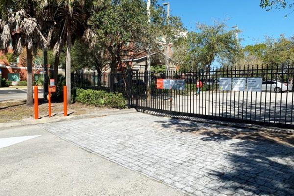 Public Storage - Pembroke Pines - 14625 NW 20th St 14625 NW 20th St Pembroke Pines, FL - Photo 3