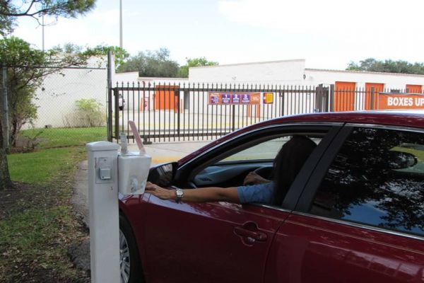 Public Storage - Palm Beach Gardens - 4151 Burns Rd 4151 Burns Rd Palm Beach Gardens, FL - Photo 4