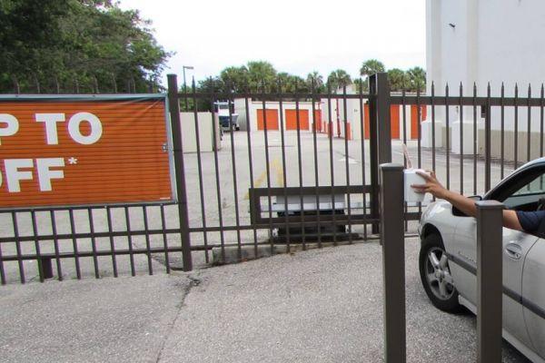 Public Storage - Palm Beach Gardens - 4801 E Park Rd 4801 E Park Rd Palm Beach Gardens, FL - Photo 3