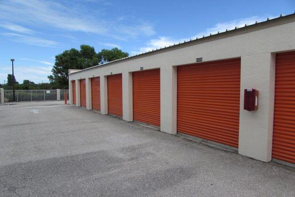Public Storage - Palm Beach Gardens - 4801 E Park Rd 4801 E Park Rd Palm Beach Gardens, FL - Photo 4