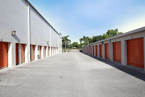 Public Storage - Davie - 3700 S University Dr 3700 S University Dr Davie, FL - Photo 1