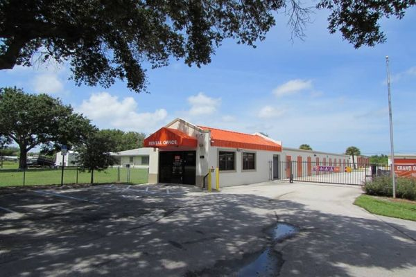 Public Storage - Vero Beach - 650 4th St 650 4th St Vero Beach, FL - Photo 0