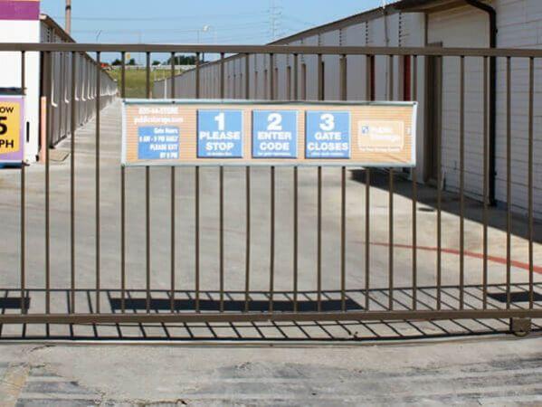 Public Storage - San Antonio - 2505 S Hackberry 2505 S Hackberry San Antonio, TX - Photo 3
