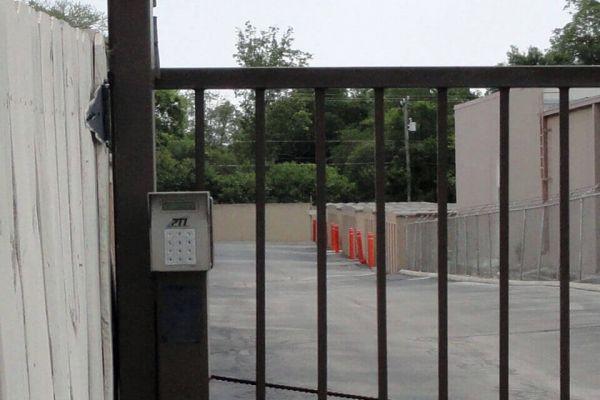 Public Storage - San Antonio - 1314 Austin Hwy 1314 Austin Hwy San Antonio, TX - Photo 4