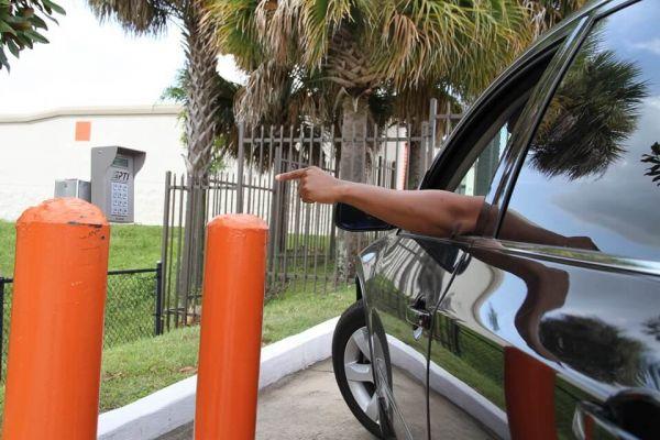 Public Storage - Orlando - 8255 Silver Star Rd 8255 Silver Star Rd Orlando, FL - Photo 4