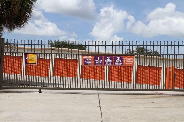 Public Storage - Orlando - 8255 Silver Star Rd 8255 Silver Star Rd Orlando, FL - Photo 3