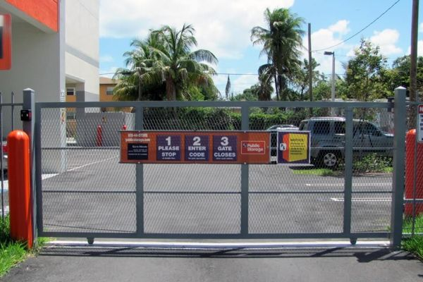 Public Storage - Miami - 300 NW 36th St 300 NW 36th St Miami, FL - Photo 3