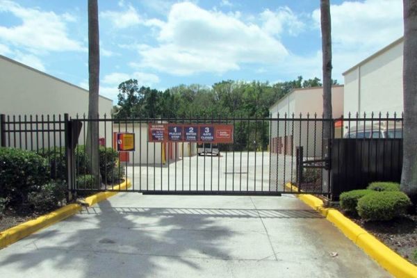 Public Storage - Lake Mary - 3725 W Lake Mary Blvd 3725 W Lake Mary Blvd Lake Mary, FL - Photo 3