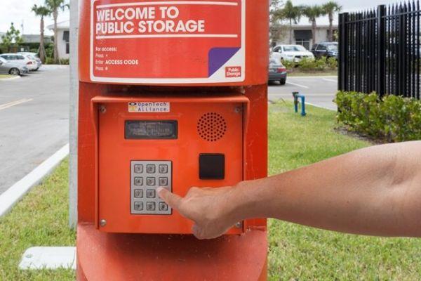 Public Storage - Deerfield Beach - 39 SE 1st St 39 SE 1st St Deerfield Beach, FL - Photo 4