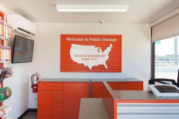 Public Storage - Austin - 5016 E Ben White Blvd 5016 E Ben White Blvd Austin, TX - Photo 2