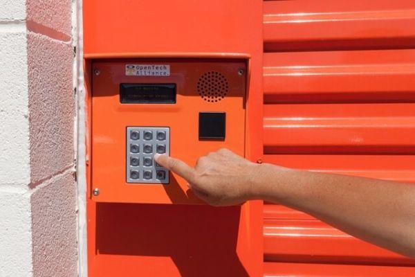 Public Storage - Austin - 5016 E Ben White Blvd 5016 E Ben White Blvd Austin, TX - Photo 4