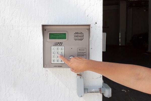 Public Storage - Miami - 91 SW 3rd St 91 SW 3rd St Miami, FL - Photo 4