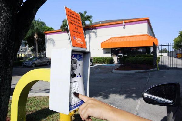 Public Storage - Aventura - 21280 Biscayne Blvd 21280 Biscayne Blvd Aventura, FL - Photo 4
