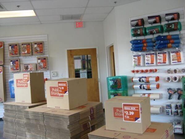 Public Storage - Tampa - 8354 W Hillsborough Ave 8354 W Hillsborough Ave Tampa, FL - Photo 3