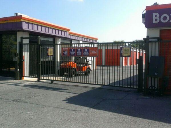 Public Storage - San Antonio - 6014 NW Loop 410 6014 NW Loop 410 San Antonio, TX - Photo 3