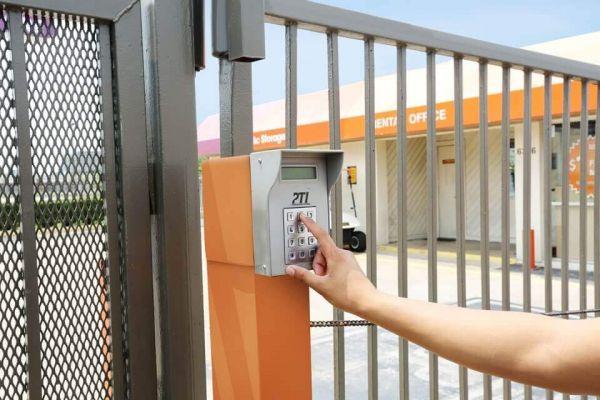 Public Storage - Houston - 6336 Fairdale Lane 6336 Fairdale Lane Houston, TX - Photo 4