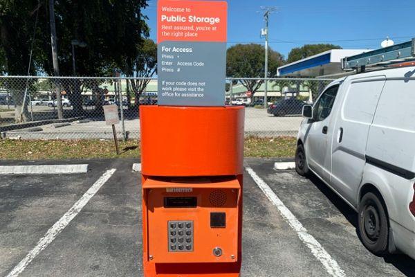 Public Storage - Hollywood - 851 Knights Rd 851 Knights Rd Hollywood, FL - Photo 4