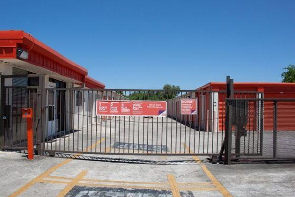 Public Storage - San Antonio - 1425 Austin Highway 1425 Austin Highway San Antonio, TX - Photo 3