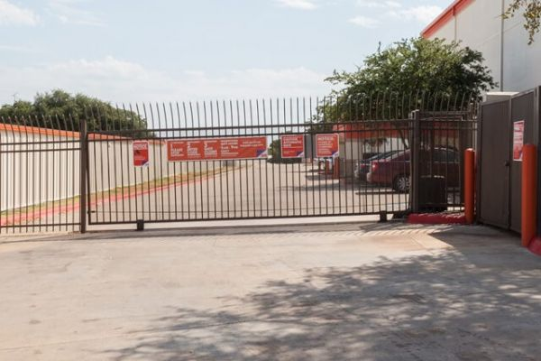 Public Storage - Austin - 8101 N Lamar Blvd 8101 N Lamar Blvd Austin, TX - Photo 3