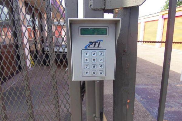 Public Storage - Houston - 7780 Harwin Drive 7780 Harwin Drive Houston, TX - Photo 4