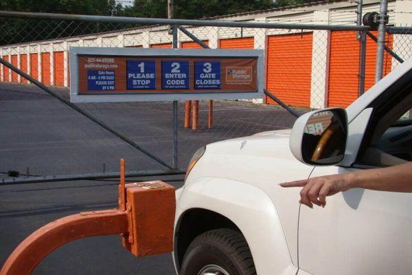 Public Storage - Pensacola - 944 Creighton Road 944 Creighton Road Pensacola, FL - Photo 4