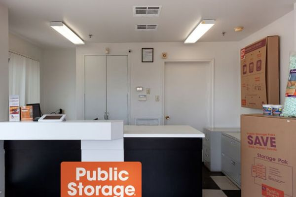 Public Storage - Austin - 12318 N MoPac Expy 12318 N MoPac Expy Austin, TX - Photo 2