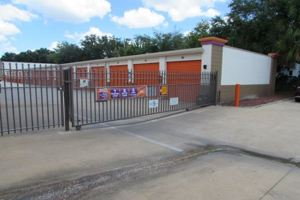 Public Storage - Tampa - 3413 W Hillsborough Ave 3413 W Hillsborough Ave Tampa, FL - Photo 3