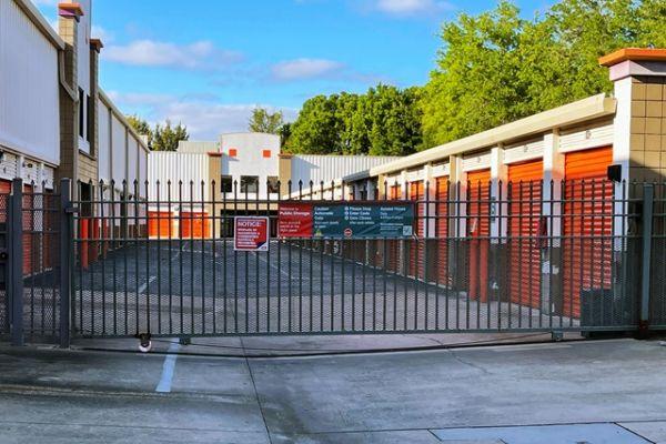 Public Storage - Tampa - 3413 W Hillsborough Ave 3413 W Hillsborough Ave Tampa, FL - Photo 3