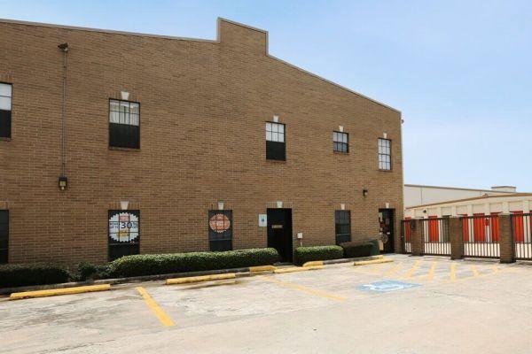 Public Storage - Houston - 4341 Southwest Freeway 4341 Southwest Freeway Houston, TX - Photo 0